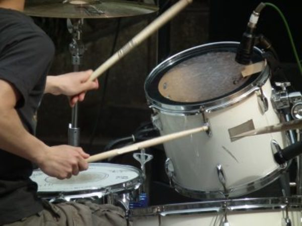 ドラムで手足をバラバラに動かすための練習法